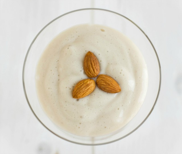Almond-Milk-Whipped-Cream