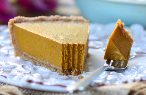 No Bake Pumpkin Pie with Coconut Milk | thespunkycoconut.com