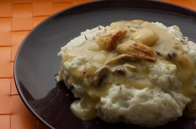 Basic Vegan Mashed Potatoes
