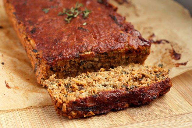 Vegan Lentil Loaf | www.healthpursuit.com