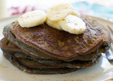 Banana Chocolate Pancakes | agirlworthsaving.net