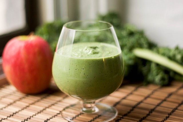 Breakfast Kale Smoothie | Happygut.ca