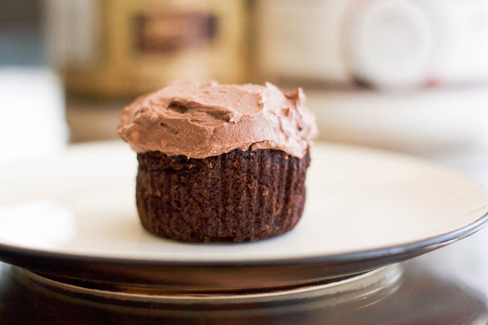 Flourless Chocolate Cupcakes with Cocoa Powder