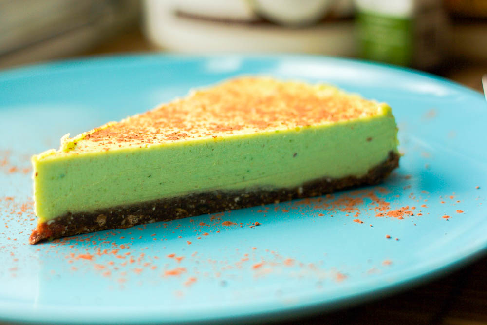 Easy Mint Chocolate Chip Ice Cream Cake